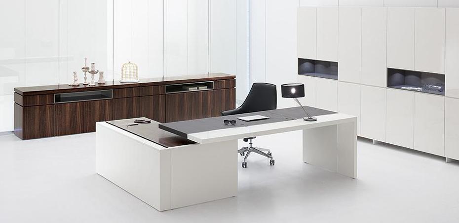 Houten bureau bij archiutti - Moderne kantoorbureaus ...