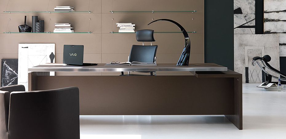 Houten bureau athos bij ivm - Moderne kantoorbureaus ...