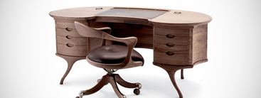 Klassiek houten bureau